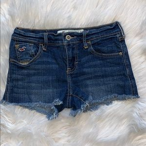 Hollister distressed jean shorts size 0